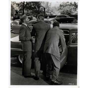 LA MORT AUX TROUSSES Photo de presse N01 - 20x25 cm. - 1959 - Cary Grant, Alfred Hitchcock