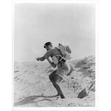 LA COLLINE DES HOMMES PERDUS Photo de presse N02 - 20x25 cm. - 1965 - Sean Connery, Sidney Lumet