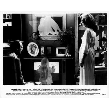 POLTERGEIST Original Movie Still N03 - 8x10 in. - 1982 - Steven Spielberg, Heather o'rourke
