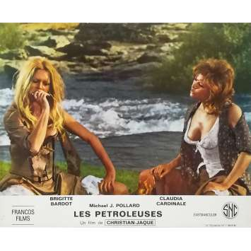 LES PETROLEUSES Photo de film N03 - 24x30 cm. - 1971 - Brigitte Bardot, Christian-Jaque