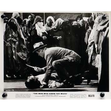 L'HOMME QUI EN SAVAIT TROP Photo de presse N03 - 20x25 cm. - R1960 - James Stewart, Alfred Hitchcock