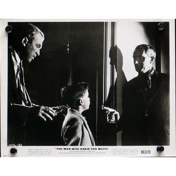 L'HOMME QUI EN SAVAIT TROP Photo de presse N02 - 20x25 cm. - R1960 - James Stewart, Alfred Hitchcock