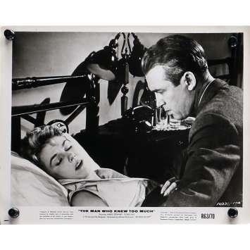 L'HOMME QUI EN SAVAIT TROP Photo de presse N01 - 20x25 cm. - R1960 - James Stewart, Alfred Hitchcock