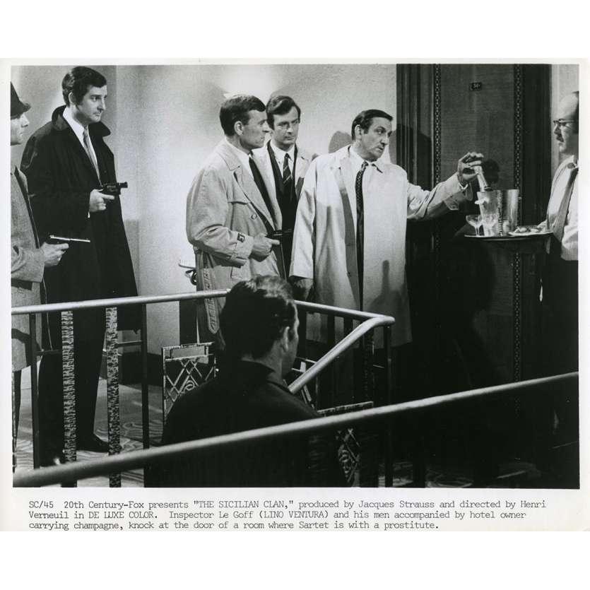 THE SICILIAN CLAN Original Movie Still N02 - 8x10 in. - 1969 - Henri Verneuil, Lino Ventura