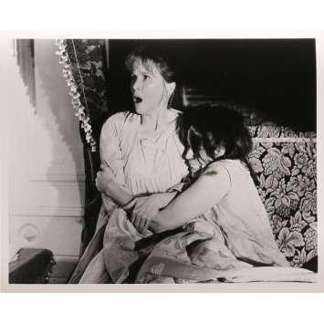 LA MAISON DU DIABLE Photos de presse N04 - 20x25 cm. - 1963 - Julie Harris, Robert Wise