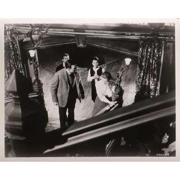 LA MAISON DU DIABLE Photos de presse N03 - 20x25 cm. - 1963 - Julie Harris, Robert Wise