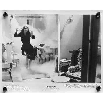L'EMPRISE Photos de presse N04 - 20x25 cm. - 1982 - Barbara Hershey, Sidney J. Furie