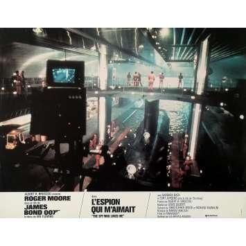 L'ESPION QUI M'AIMAIT Photo de film N01 - 21x30 cm. - 1977 - Roger Moore, Lewis Gilbert