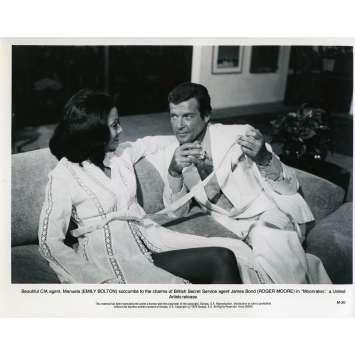 MOONRAKER Photo de presse M-20 - 20x25 cm. - 1979 - Roger Moore, James Bond