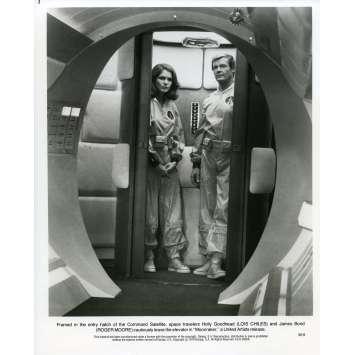 MOONRAKER Photo de presse M-9 - 20x25 cm. - 1979 - Roger Moore, James Bond