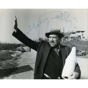 THE TRAGEDY OF A RIDICULOUS MAN Original Signed Photo - 7x9 in. - 1981 - Bernardo Bertolucci, Anouk Aimée