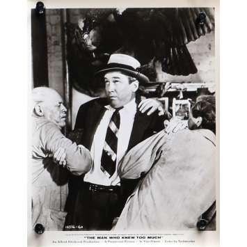 L'HOMME QUI EN SAVAIT TROP Photo de presse N02 - 20x25 cm. - 1954 - James Stewart, Alfred Hitchcock