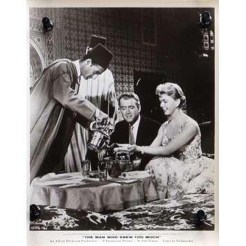 L'HOMME QUI EN SAVAIT TROP Photo de presse N07 - 20x25 cm. - 1954 - James Stewart, Alfred Hitchcock