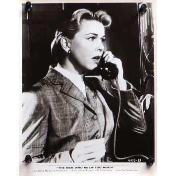 L'HOMME QUI EN SAVAIT TROP Photo de presse N08 - 20x25 cm. - 1954 - James Stewart, Alfred Hitchcock