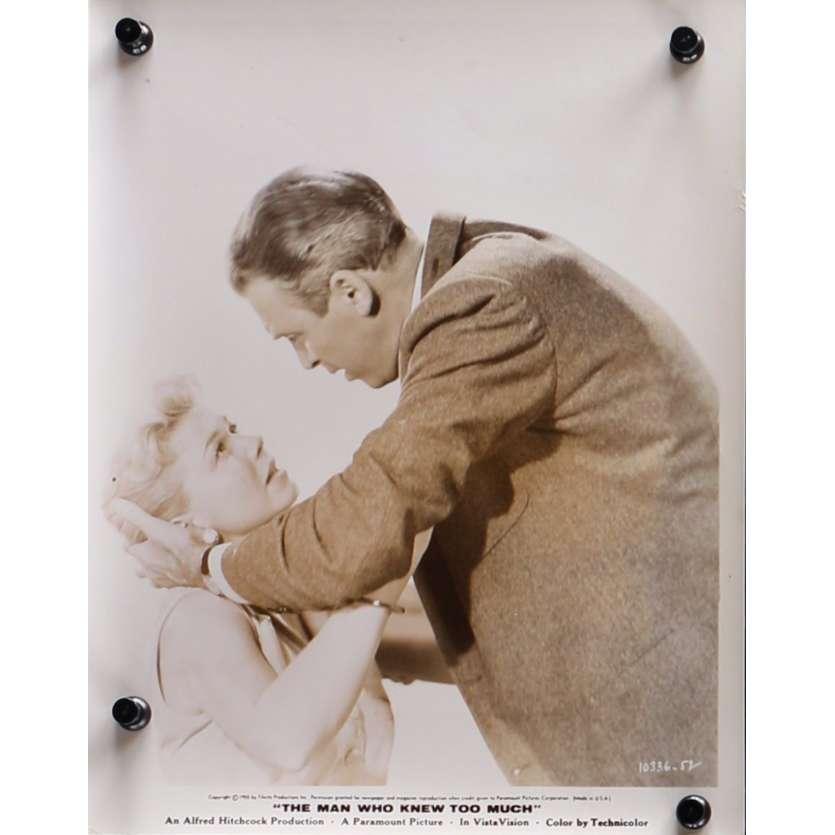 L'HOMME QUI EN SAVAIT TROP Photo de presse N09 - 20x25 cm. - 1954 - James Stewart, Alfred Hitchcock