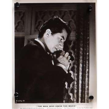 L'HOMME QUI EN SAVAIT TROP Photo de presse N10 - 20x25 cm. - 1954 - James Stewart, Alfred Hitchcock
