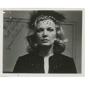 GLORIA Photo signée par GENA ROWLANDS - 20x25 cm. - 1980