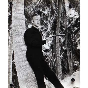 THUNDERBALL Original Movie Still N04 - 8x10 in. - 1965 - James Bond, Sean Connery