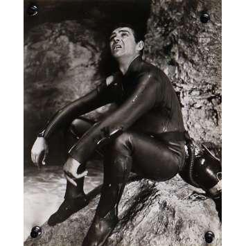THUNDERBALL Original Movie Still N01 - 8x10 in. - 1965 - James Bond, Sean Connery