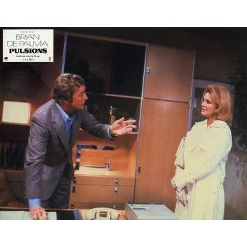 DRESSED TO KILL Original Lobby Card N06 - 9x12 in. - 1980 - Brian de Palma, Michael Caine