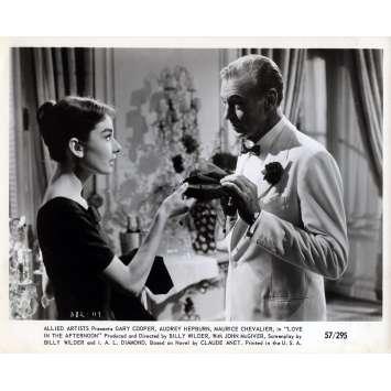 ARIANE Photo de presse N08 - 20x25 cm. - 1957 - Audrey Hepburn, Billy Wilder