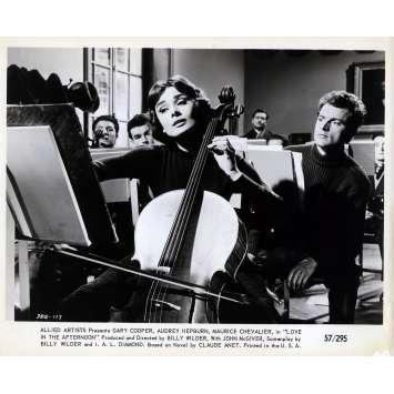 ARIANE Photo de presse N03 - 20x25 cm. - 1957 - Audrey Hepburn, Billy Wilder