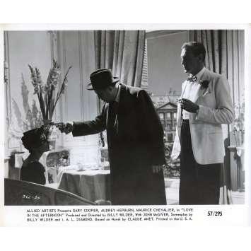ARIANE Photo de presse N02 - 20x25 cm. - 1957 - Audrey Hepburn, Billy Wilder
