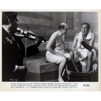 ARIANE Photo de presse N01 - 20x25 cm. - 1957 - Audrey Hepburn, Billy Wilder
