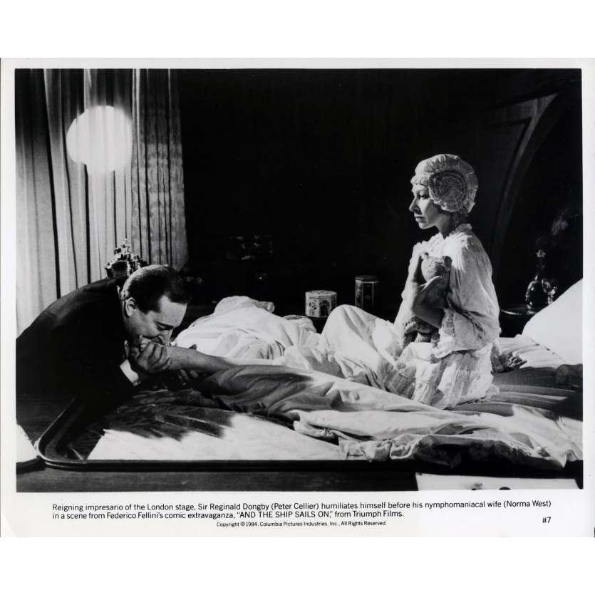 ET VOGUE LE NAVIRE Photo de presse N05 - 20x25 cm. - 1983 - Freddie Jones, Federico Fellini