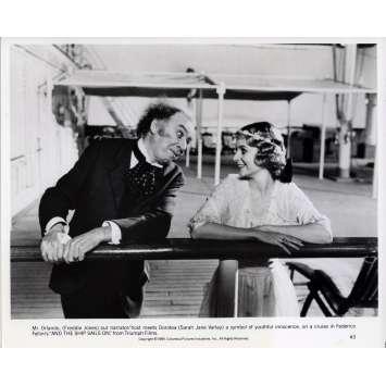 ET VOGUE LE NAVIRE Photo de presse N03 - 20x25 cm. - 1983 - Freddie Jones, Federico Fellini