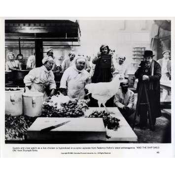 AND THE SHIP SAILS ON Original Movie Still N02 - 8x10 in. - 1983 - Federico Fellini, Freddie Jones