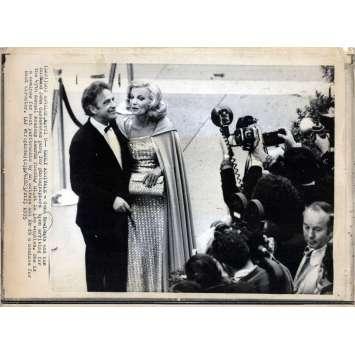UNE FEMME SOUS INFLUENCE Photo de presse - 20x25 cm. - 1974 - Gena Rowlands, John Cassavetes