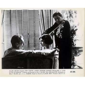 ARIANE Photo de presse N06 - 20x25 cm. - 1957 - Audrey Hepburn, Billy Wilder