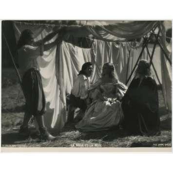 LA BELLE ET LA BETE Photo de presse - 21x30 cm. - 1946 - Jean Marais, Jean Cocteau