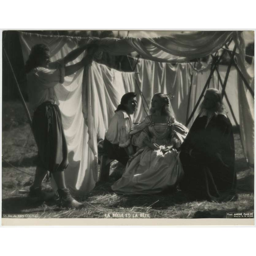 BEAUTY AND THE BEAST Original Movie Still - 9x12 in. - 1946 - Jean Cocteau, Jean Marais