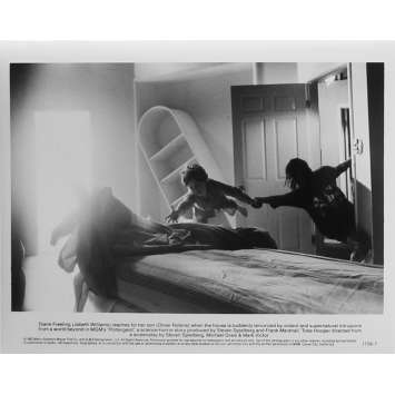 POLTERGEIST Photo de presse N7 - 20x25 cm. - 1982 - Heather o'rourke, Steven Spielberg