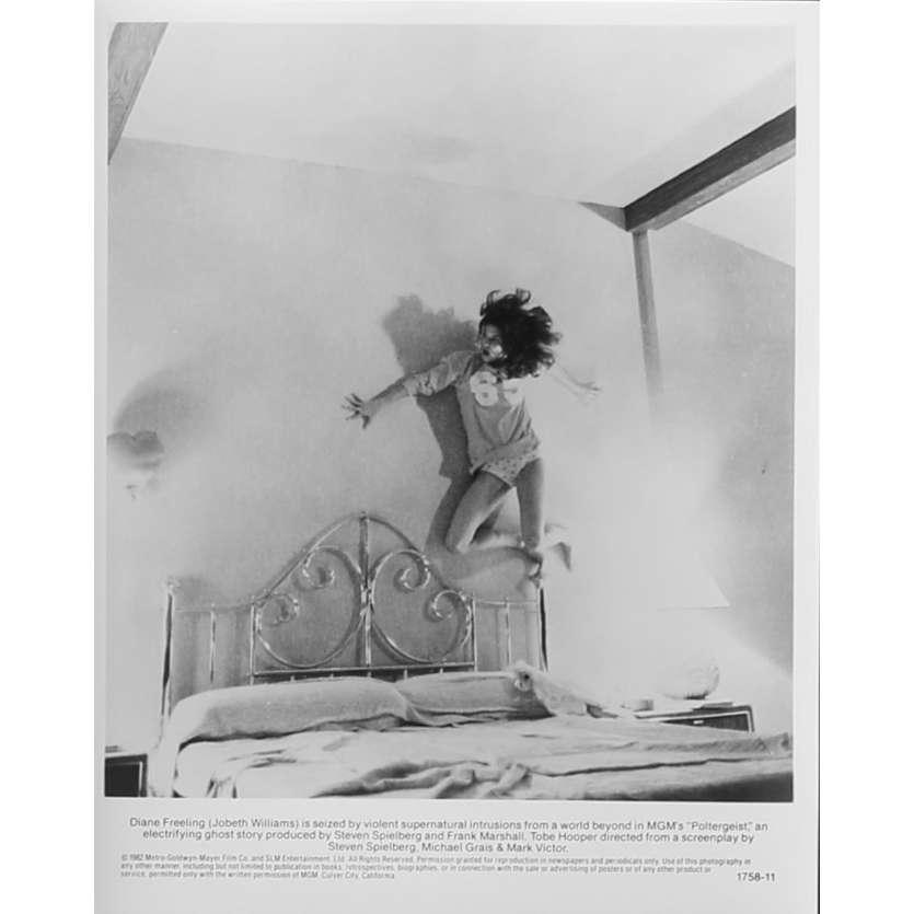 POLTERGEIST Photo de presse N11 - 20x25 cm. - 1982 - Heather o'rourke, Steven Spielberg