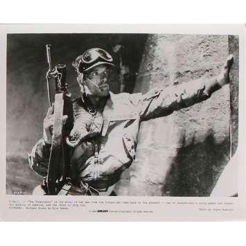 TERMINATOR Original Movie Still T-24-11 - 8x10 in. - 1983 - James Cameron, Arnold Schwarzenegger
