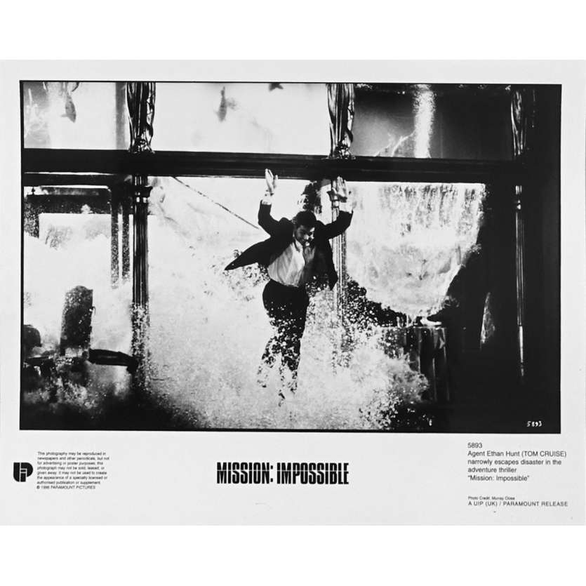 MISSION IMPOSSIBLE Original Movie Still N5893 - 8x10 in. - 1996 - Brain de Palma, Tom Cruise