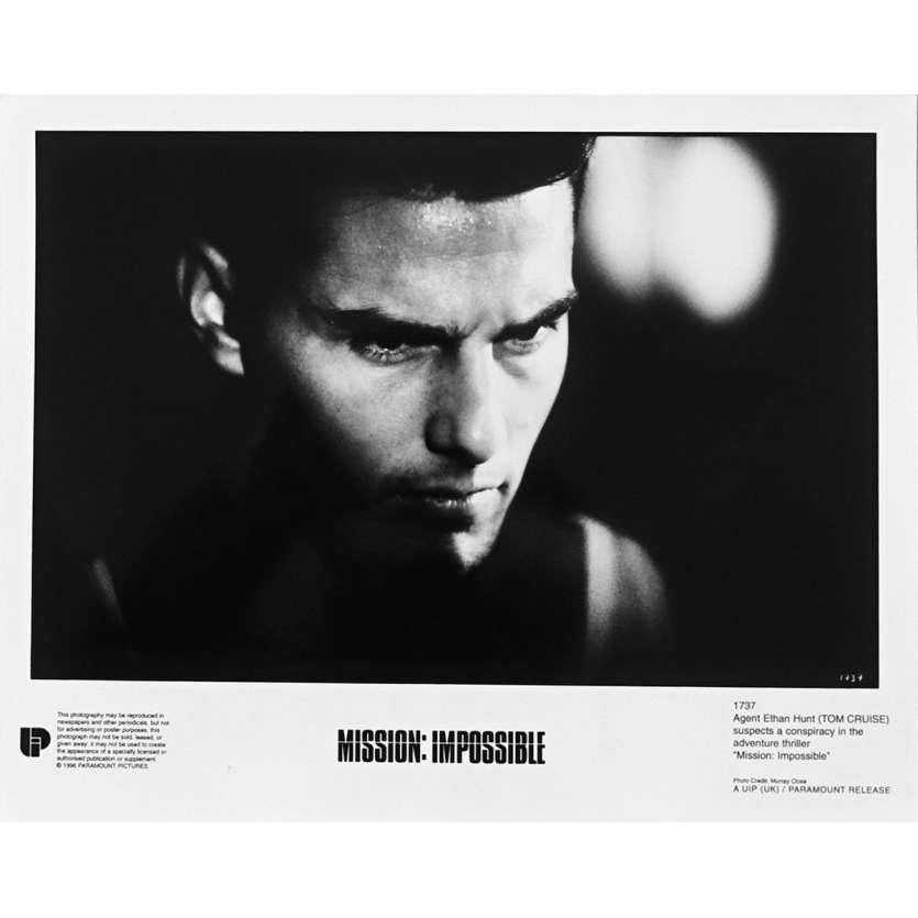 MISSION IMPOSSIBLE Original Movie Still N1737 - 8x10 in. - 1996 - Brain de Palma, Tom Cruise