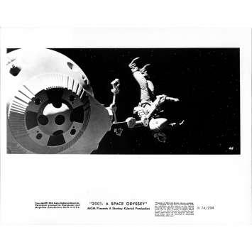 2001 A SPACE ODYSSEY Original Movie Still 069 - 8x10 in. - R1974 / 1968 - Stanley Kubrick, Keir Dullea