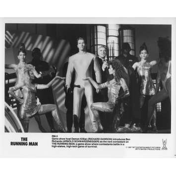 THE RUNNING MAN Original Movie Still RM-3 - 8x10 in. - 1987 - Paul Michael Glaser, Arnold Schwarzenegger