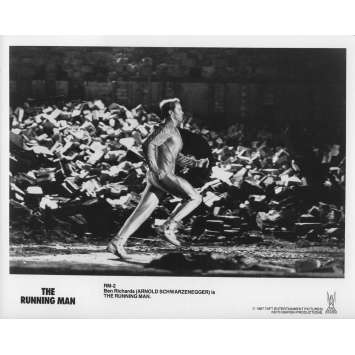 RUNNING MAN Photo de presse RM-2A - 20x25 cm. - 1987 - Arnold Schwarzenegger, Paul Michael Glaser