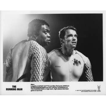 RUNNING MAN Photo de presse RM-9 - 20x25 cm. - 1987 - Arnold Schwarzenegger, Paul Michael Glaser