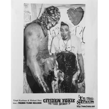 CITIZEN TOXIE : THE TOXIC AVENGERS IV Original Movie Still N03 - 8x10 in. - 2000 - Lloyd Kaufman, David Mattey