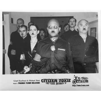 CITIZEN TOXIE : THE TOXIC AVENGERS IV Original Movie Still N02 - 8x10 in. - 2000 - Lloyd Kaufman, David Mattey