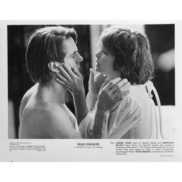 FAUX SEMBLANTS Photo de presse DR-2 - 20x25 cm. - 1988 - Jeremy Irons, David Cronenberg