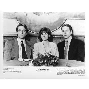 FAUX SEMBLANTS Photo de presse DR-3 - 20x25 cm. - 1988 - Jeremy Irons, David Cronenberg