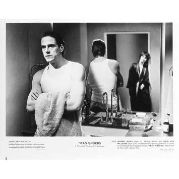 FAUX SEMBLANTS Photo de presse DR-8 - 20x25 cm. - 1988 - Jeremy Irons, David Cronenberg