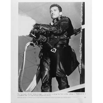 TERMINATOR 2 Original Movie Still N2 - 8x10 in. - 1992 - James Cameron, Arnold Schwarzenegger